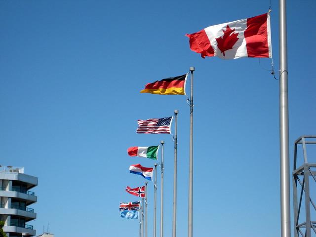 Drapeaux des nations du WWII?