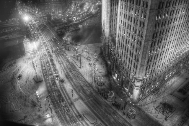 Michigan Avenue during a Chicago snowstorm