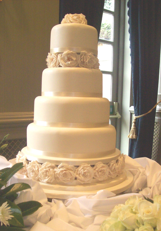 4 tier wedding cake recipe 4 tier ivory wedding cake flickr photo 10403