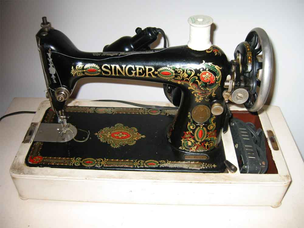 Antique Singer Sewing Machine Portable A Photo On Flickriver Custom How To Thread Antique Singer Sewing Machine