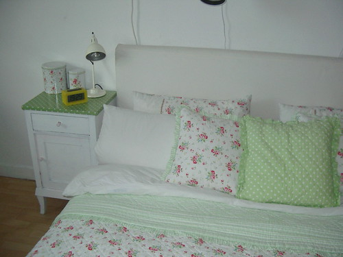 bed & nightstand