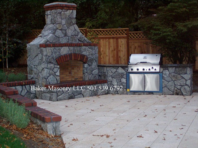 Stone outdoor fireplace baker masonry llc 503 539 6792 for Four barbecue exterieur