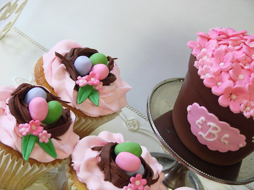 Flower pot cakelets and cupcakes