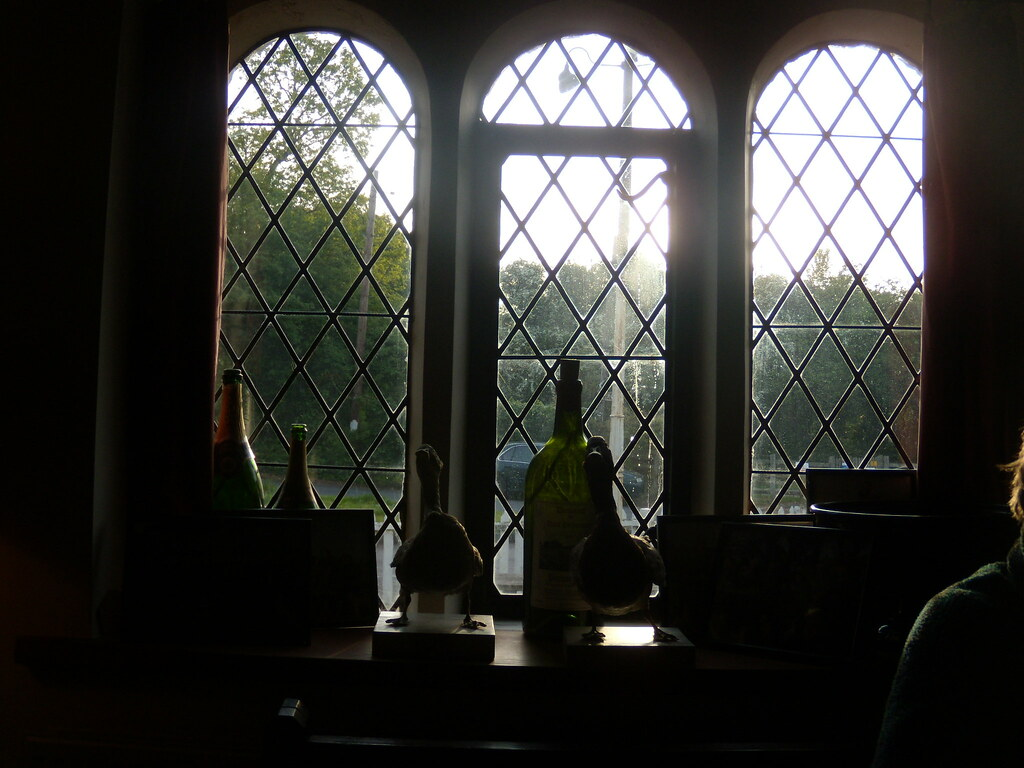 Inside the Dering Arms Pluckley Circular with extension