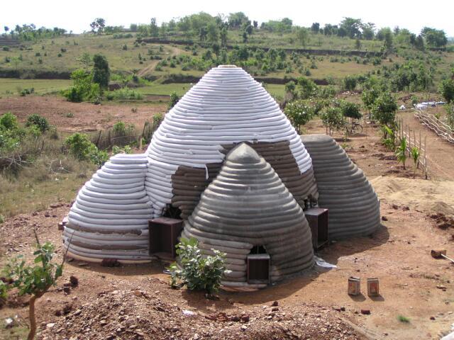 Pr s du puits la vie autrement les maisons en sacs de for Acheter une maison en angleterre