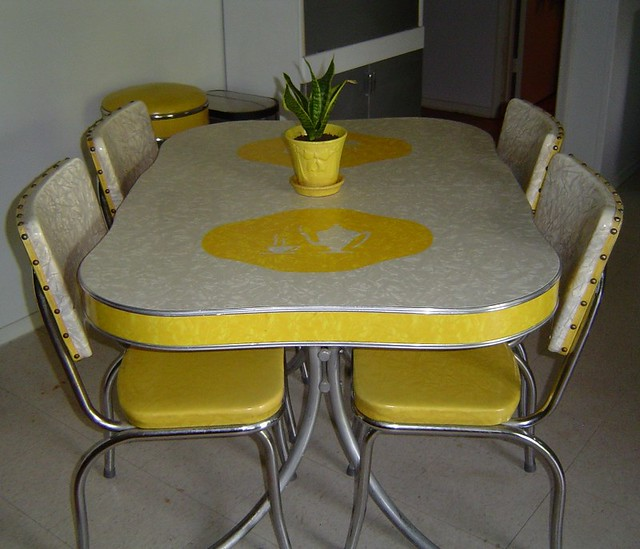 Photo - Charming images of retro style kitchen table and chair ...