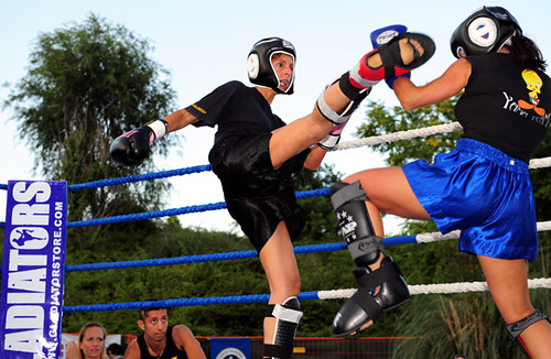 Meeting women's Kick Boxing in Rome hosts of the World Sports Center fitness ...