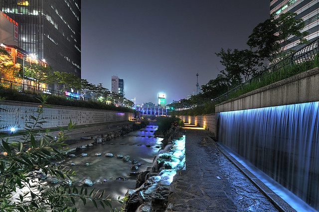 Nighttime Cheonggyecheon