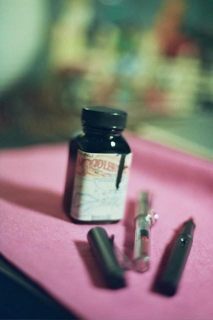 My desk : Noodler's Ink & Lamy fountain pens