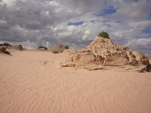 rock formations: Mungo National Park