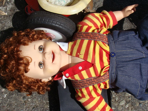 Toys R Us Chucky : Corky doll pride of chucky