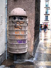 a friendly dustbin in barcelona by nick wright planning, on Flickr