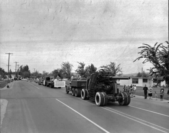 Fire Prevention Parade 1955, Cannon!