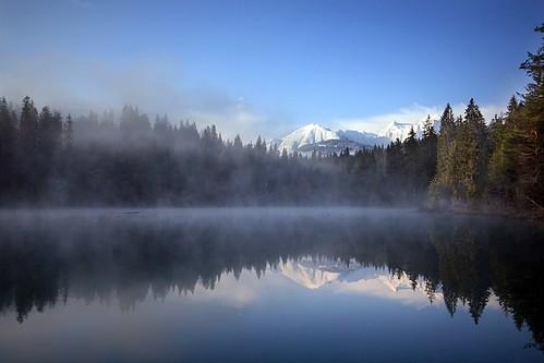 morning blue lake water sunrise landscape schweiz switzerland see spring magic sonnenaufgang morgen flims wmp frühling trin graubünden grisons crestasee flimserbergsturz crestasee2
