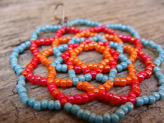Мандала счастья - круглый яркий кулон (подвеска) из бисера