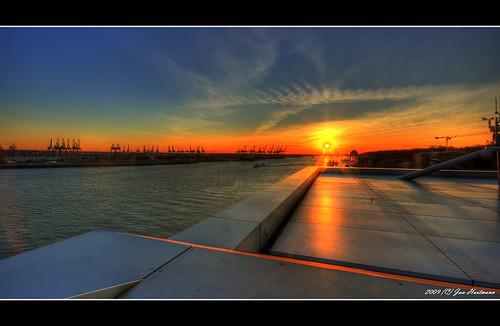 sunset canon eos sonnenuntergang jan hamburg sigma 1020mm hafen sonne hartmann hdr dockland flickrsbest 400d abigfave
