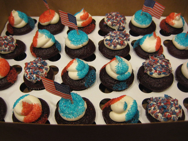Red White Amp Blue Mini Cupcakes Flickr Photo Sharing