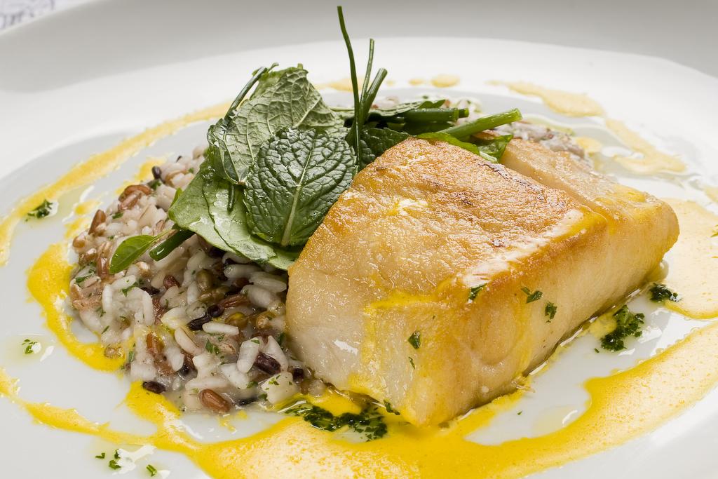 Restaurante nou robalo ao molho de a afr o com risoto de for Robalo fish in english