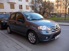mercedes-benz m-class(0.0), automobile(1.0), automotive exterior(1.0), sport utility vehicle(1.0), mini sport utility vehicle(1.0), vehicle(1.0), crossover suv(1.0), land vehicle(1.0), citroã«n c3(1.0), luxury vehicle(1.0),