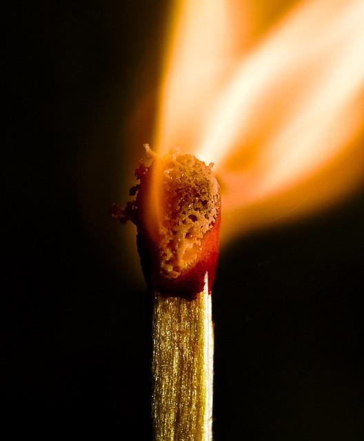 Burning match (cerilla ardiendo)