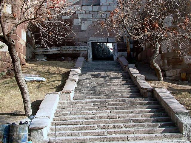 050113025f Ankara Kalesi - İçkale Surları