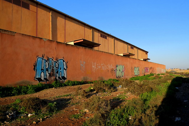 graffiti | along the train rails | marrakech . feb 2014