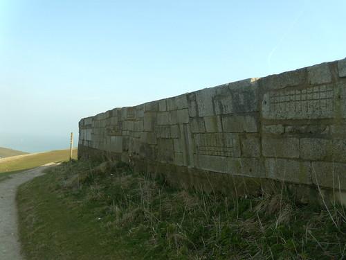 Strange wall - Bel Tout lighthouse