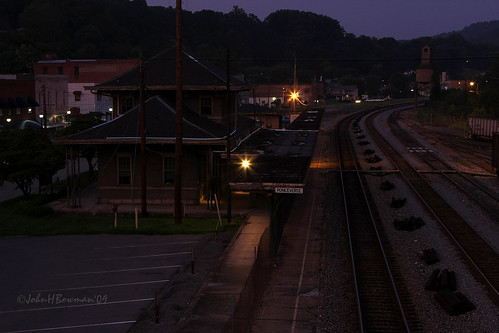 summer nightshot august westvirginia 2009 trainstations canon24105l greenbriercounty ronceverte august2009