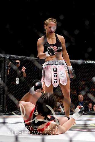 Shayna Baszler vs Cris Cyborg