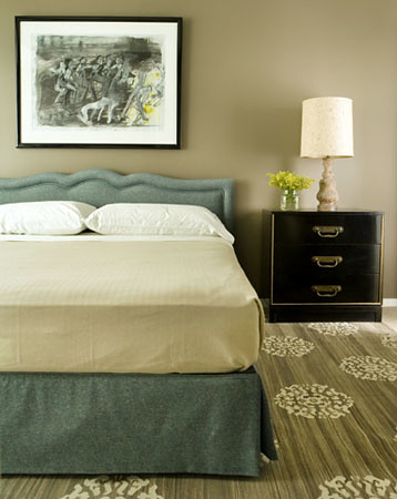 Taupe + blue bedroom: Soothing neutrals + upholstered head ...