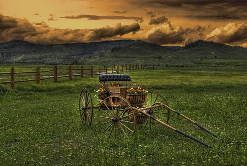 clazyu ranch granby colorado 200907 landscape nature buggy carriage clouds mountains pasture grass fence duderanch resort grandcounty cowboy wrangler horse retreat rockymountains western rockymountainnationalpark sunset photo image pic picture spa explore hdrspotting 491x7