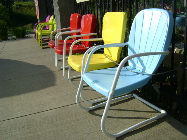 Antique metal lawn chairs flickr photo sharing Vintage metal garden furniture