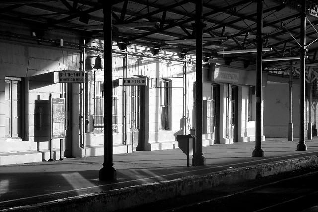 Esperando el tren - 1 part 3