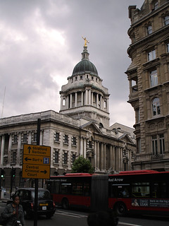 2584 - Old Bailey & Buses