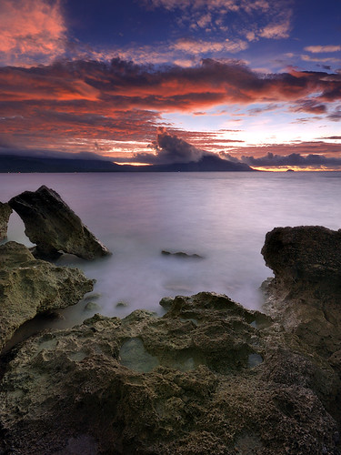 sea sunrise rocks philippines gaspar islet marinduque mtmalindig pinggan definitelynothdr