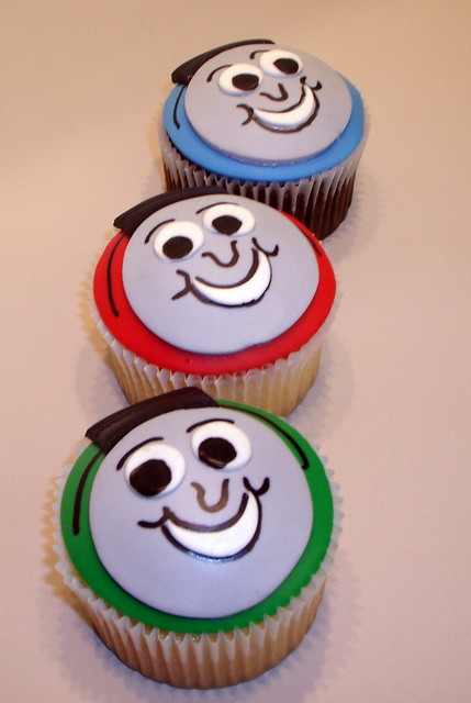 Thomas Cupcake Birthday Cake