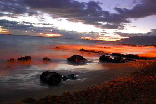 ocean longexposure sunset seascape beach water landscape hawaii evening rocks nightshot tide horizon maui coastline kihei manakai lavarocks hawaiianislands mauihawaii oceanscape kiheimaui vosplusbellesphotos