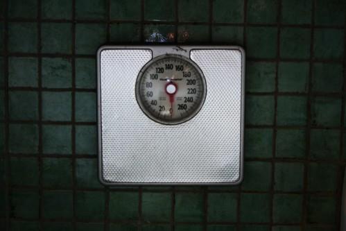 3698360050 461e5baf37 Fad Diet Weight Loss Myths