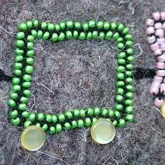 gemstone(0.0), art(1.0), jewellery(1.0), green(1.0), necklace(1.0), jade(1.0), bead(1.0),