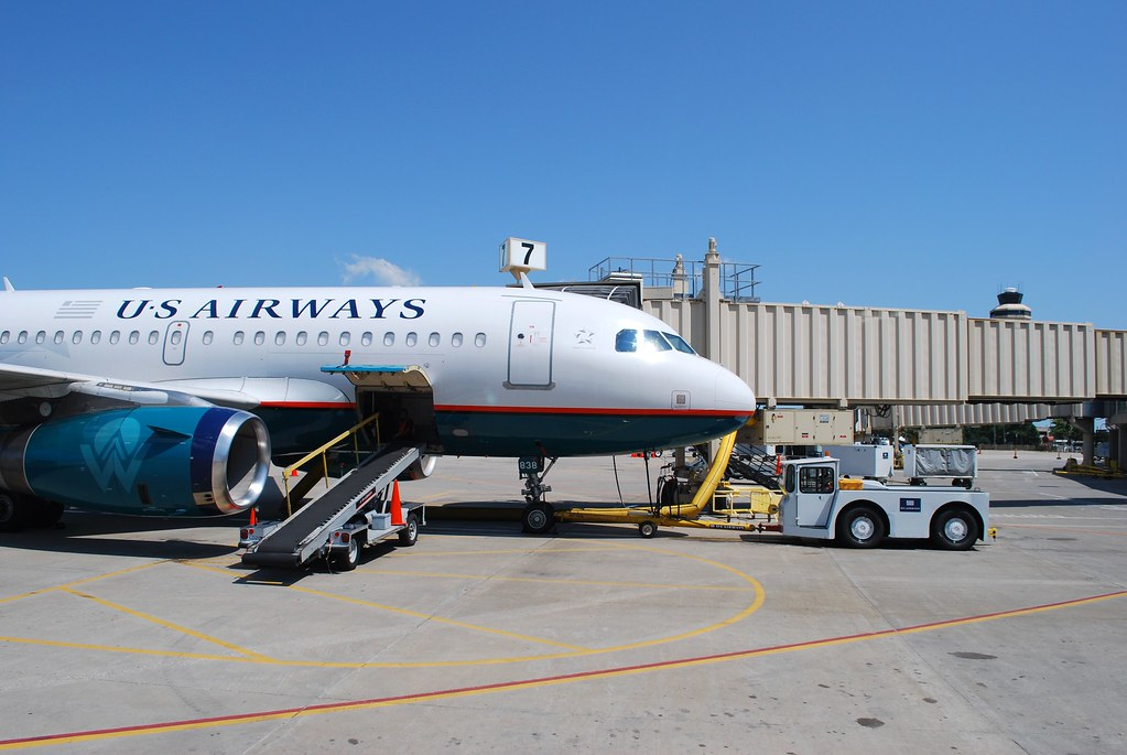 US Airways A319 N838AW