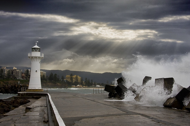 Wollongong Lighthouse & Waves