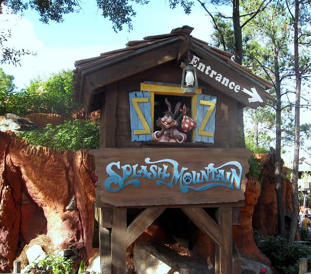 Magic Kingdom - Frontierland - Splash Mountain - Entrance ...