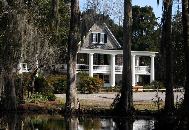 Magnolia Plantation by CC user anoldent on Flickr