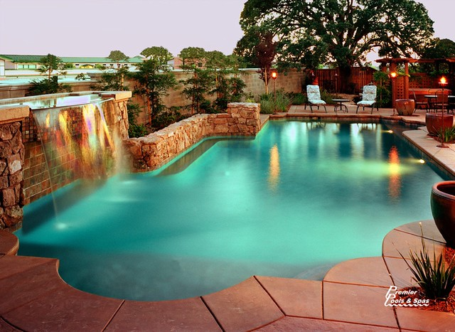 Luxury swimming pools flickr photo sharing for Luxury swimming pools