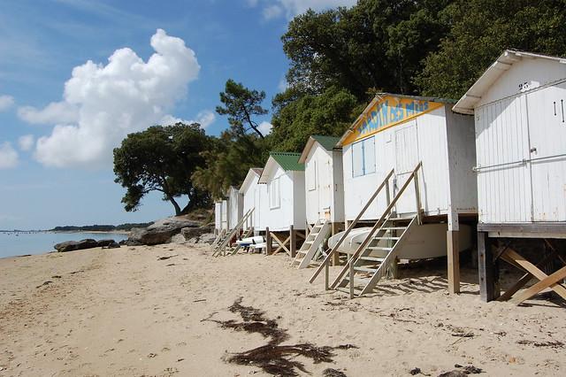 Tour des plages des pays de la loire a gallery on flickr for Cabane de plage pour jardin