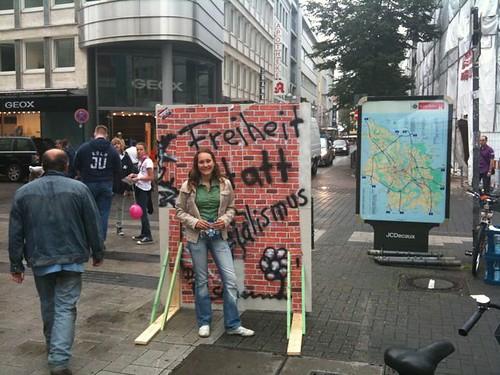Mauerbauaktion der JU in Köln