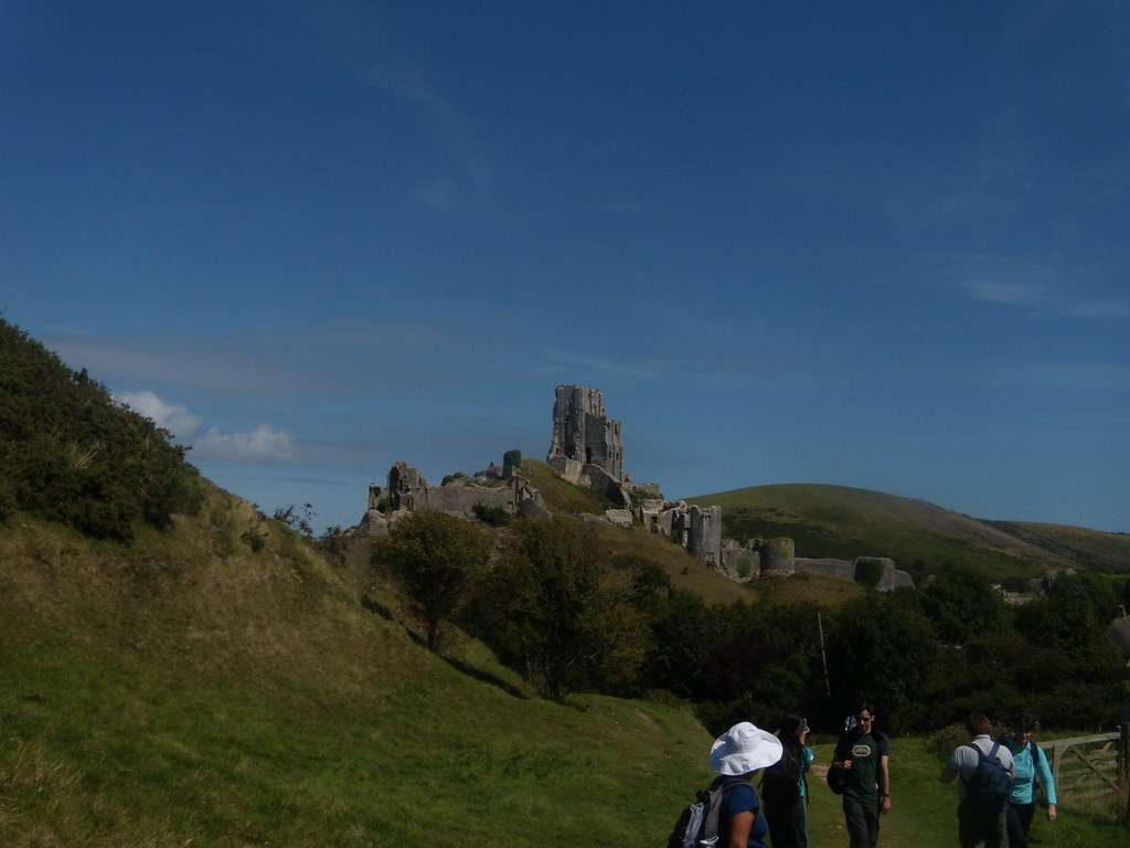 Corfe Castle Corfe Castle to Lulworth Cove (Dorset)