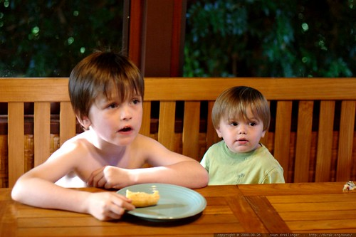 nick and sequoia having breakfast    MG 1160