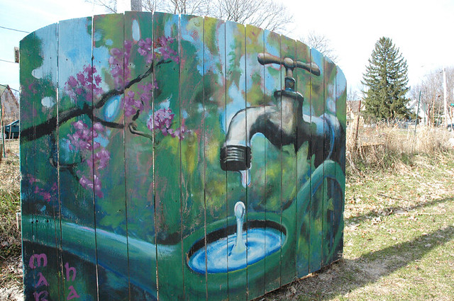 Community gardens community art On the bikepath behind