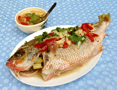 Steamed fish with lemon sauce | דג מאודה ברוטב לימון וצ'ילי by Thai Food Blog